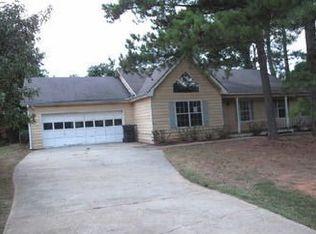 633 Jockey Ln , Auburn GA