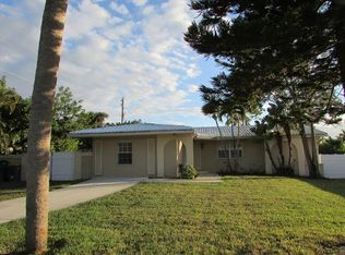 492 Pine Ave , Naples FL