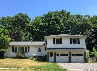 52 Pine Tree Ln , Rochester NY