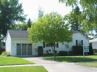 905 19th St NW , East Grand Forks MN