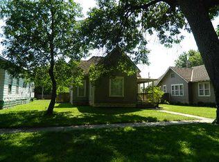 1310 Fuller St , Winfield KS
