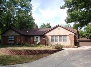 753 Hillcrest Dr , Greenwood IN