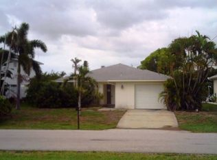 3593 Bayview Ave , Saint James City FL