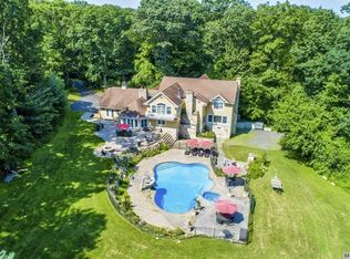 416 Cold Spring Rd Laurel Hollow Ny 11791 Zillow