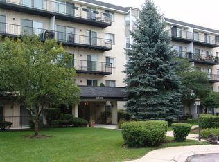 8620 Waukegan Rd Unit 412, Morton Grove IL