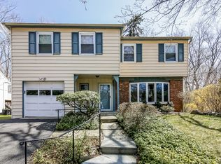 14 Pilgrim Rd , White Plains NY