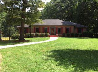 105 Cedar Cir , Fayetteville GA