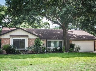 9717 Cedardale Dr , Houston TX