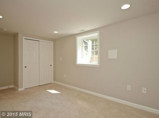Living Room With Carpet Amp Chair Rail In Annandale Va