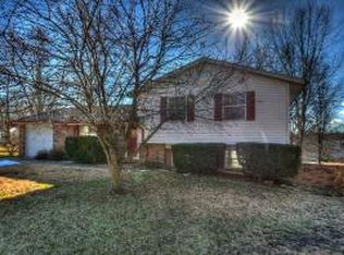 3391 S Country Hill Ct , Columbia MO