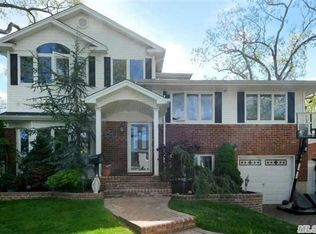 2838 Court St , North Bellmore NY