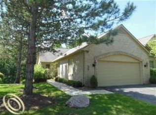 6231 Celeste Rd , West Bloomfield MI