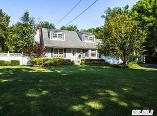 11 Soundview Dr , Northport NY