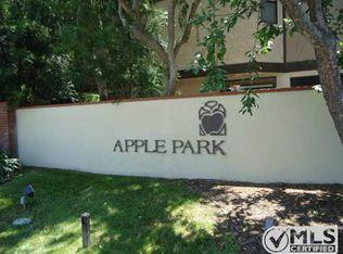 24839 Apple St Apt F, Santa Clarita CA