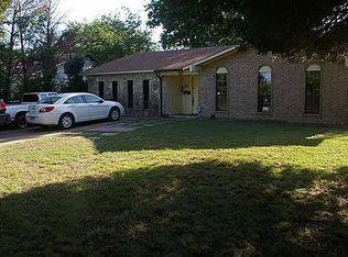 898 Lexington Dr , Lancaster TX