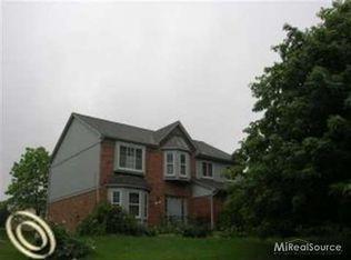 2029 Oak Leaf Ct N , Rochester Hills MI
