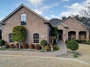 9008 Ranch Bluff Ct , Benbrook TX