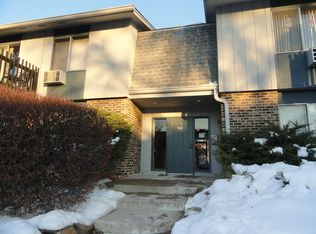 934 E Old Willow Rd Apt 101, Prospect Heights IL