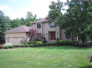 6636 Westview Dr , Brecksville OH