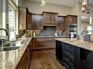 Traditional Kitchen With High Ceiling Amp L Shaped In Eagle