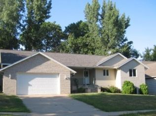 2373 Sunny Meadow Ln , Red Wing MN