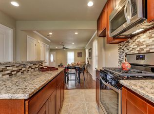 Traditional Kitchen With Ceramic Tile Amp Complex Granite