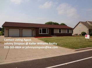 1870 Juneberry Dr , Green Bay WI