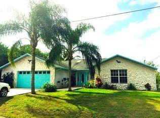 2566 SE Hemsing St , Port Saint Lucie FL