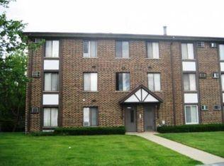 13 Crestview Ln Unit 4, Vernon Hills IL