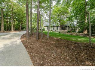 500 Highland Forest Dr , Charlotte NC