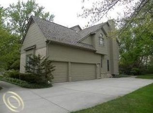 2769 W Bloomfield Oaks Dr , West Bloomfield MI
