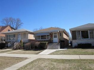 6435 N Nordica Ave , Chicago IL