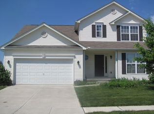 561 Stone Shadow Dr , Blacklick OH
