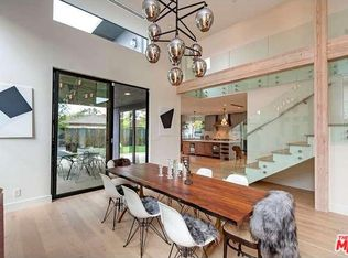 3272 Grand View Blvd, Los Angeles, CA 90066   Zillow