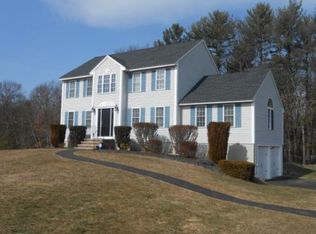 8 Quentin Dr , Londonderry NH