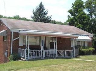 1403 Villa Dr , Pittsburgh PA