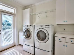Traditional Laundry Room In Destin Fl Zillow Digs Zillow