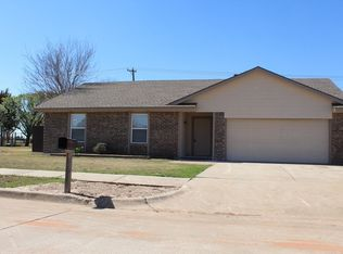 12517 Whispering Hollow Dr , Oklahoma City OK