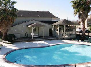 Carriage Glen Apartments - Rosenberg, TX | Zillow