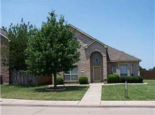 1417 Knob Hill Dr , Desoto TX