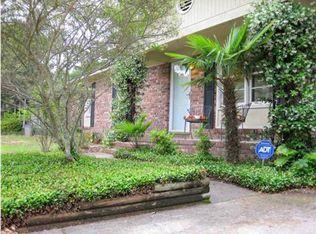 1132 Landsdowne Dr , Charleston SC