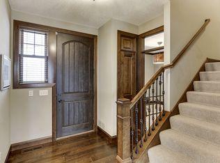 Contemporary guest bedroom with specialty door carpet in eden prairie mn zillow digs zillow for Interior design eden prairie mn