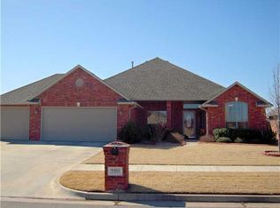 3301 Willow Ln , Moore OK