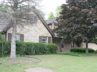 3316 W Picardy Ct , Mequon WI