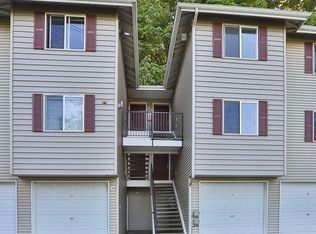 595 Newport Way NW Apt C4, Issaquah WA