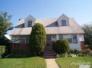 143 Elzey Ave , Elmont NY