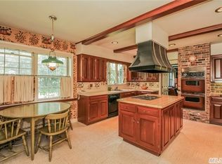 1173 Pine Valley Rd, Oyster Bay, NY 11771 | Zillow