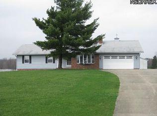 1435 Ledge Rd , Hinckley OH
