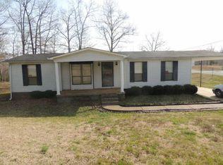 2400 Crestview Dr , Centerville TN