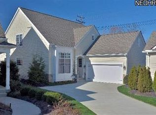 11 River Pl , Rocky River OH